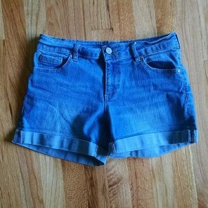 New York & Company cuffed shorts size 4